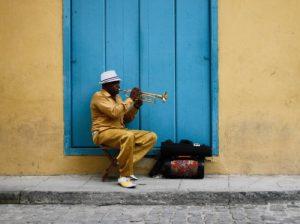 Kubanischer Straßenmusiker